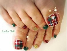 30 Best and Easy Christmas Toe Nail DesignsYou want to get your toenails ready for the holiday season? Are you looking for some cute and festive Christmas toenail art designs? Then, you have come at the right place. You don& have to spend a large sum of& Nail Art Designs 2016, Toenail Art Designs, Holiday Nail Designs, Toe Nail Designs, Nails Design, Christmas Toes, Christmas Nail Art, Merry Christmas, Winter Christmas