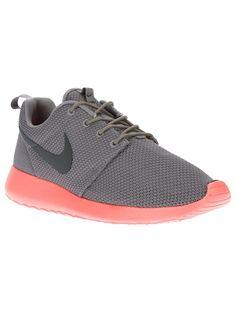 finest selection 02bae 11a95 Nike  Roshe Run  trainer