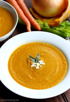 Butternut Squash Soup for a comforting and warm Thanksgiving Day starter. Vegetarian Thanksgiving, Vegetarian Soup, Thanksgiving Recipes, Fall Recipes, New Recipes, Cooking Recipes, Favorite Recipes, Starter Recipes, Vitamix Recipes