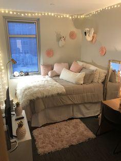 Single dorm room - dorm room hacks and college tips 20 Cute Bedroom Ideas, Room Ideas Bedroom, Small Room Bedroom, Bedroom Decor, Small Girls Bedrooms, Girl Bedrooms, Trendy Bedroom, Dorm Room Designs, Girl Bedroom Designs