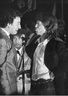 """Bruce Springsteen, Mick Jagger, and Bob Dylan, 1988 - look at Mick posturing, and Bruce's amazing """"singing"""" face.and Bob quietly playing in the back. Mick Jagger, Bob Dylan, Music Icon, My Music, Elvis Presley, Bruce Springsteen The Boss, E Street Band, Miles Davis, Portraits"""