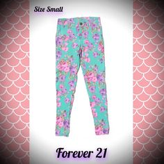 FOREVER 21 FLORAL POCKETED LEGGING PANTS SMALL XXI How cute are these floral legging pocketed pants by Forever 21?!  Super skinny, stretchy and comfortable, with a gorgeous floral pattern. Pants are a size SMALL. Gently used, still lots of love left to give!  Combine with other items from my closet and save $$$!  FOLLOW MY CLOSET NEW ITEMS ADDED DAILY! NO TRADES OR OUTSIDE TRANSACTIONS PLEASE! I follow all posh rules. HAPPY POSHING!  Forever 21 Pants Skinny