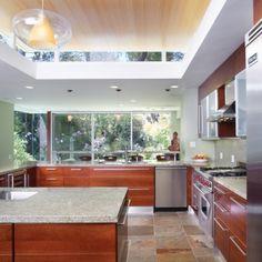 skylight kitchen, beautiful! #AvelingHomes