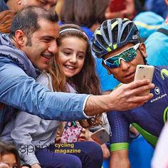 #giro100 @giroditalia stage 6 #selfie with @nairoquincoficial #fans #cycling #sprintcycling @movistar_team #instagood #instagram #colombia🇨🇴 @bettiniphoto photo @lucabettini87