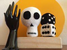 veramaero:: My crochet. Skull dice and vintage Ceramic hands. #blackandwhite #amigurumi #decoration #crane #skull