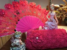 Hand Fan, Mandala, Projects To Try, Diy, Candles, Bridal, Wedding Dresses, Crochet Dolls, Hand Fans