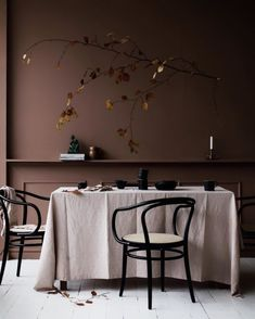 Fall mood by Signe Bay Lustre Floral, Turbulence Deco, Brown Interior, Autumn Decorating, Brown Walls, Interiores Design, Wall Colors, Colorful Interiors, Interior Inspiration