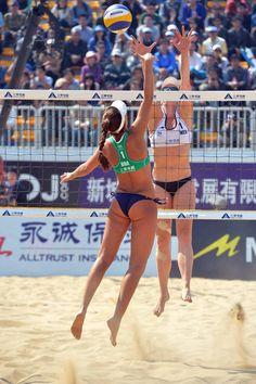 Beach Volleyball Girls, Women Volleyball, Athletic Models, Athletic Women, Female Volleyball Players, Sporty Girls, Woman Beach, Female Athletes, Sports Women