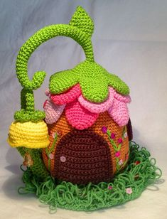 Knitting Patterns Toys Doorstop fairy house, crochet pattern suitable for beginners Crochet Fairy, Crochet Home, Diy Crochet, Crochet Crafts, Crochet Flowers, Crochet Projects, Crochet Toys Patterns, Amigurumi Patterns, Knitting Patterns