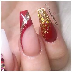 Pretty In The City (@pretty_in_the_city_nails) • Instagram photos and videos Christmas Nail Designs, Christmas Nails, Red Christmas, Acrylic Nail Designs, Acrylic Nails, City Nails, Nails Magazine, Winter Nails, Nails On Fleek