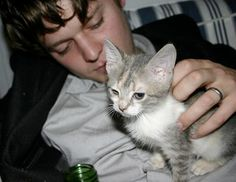 Zach Condon et son chat.