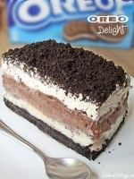 Oreo delight with chocolate pudding, a great dessert. For all Oreo lovers, it is so fluffy and delicious. Yet another delicious way to Eat Your Oreo. 13 Desserts, Chocolate Desserts, Homemade Chocolate, Delicious Chocolate, Chocolate Lasagna, Chocolate Oreo, Chocolate Cupcakes, Cool Whip Desserts, Birthday Desserts