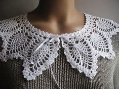 Trendy Lace Collar in White Hand crocheted Detachable by ninellfux,