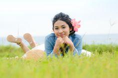 爽やかな草原でほおづえ❤️