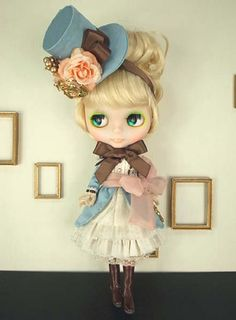 ♥ blythe gets colonial. so cute! such detail!