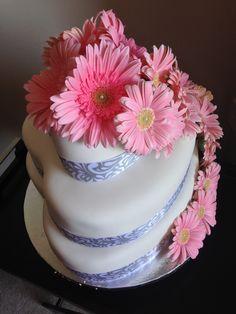 Pink gerbera daisy heart cake