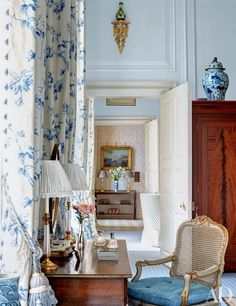 English country masterpiece by Mark Gillette | La Beℓℓe ℳystère