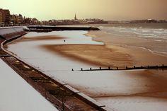 La plage sous la neige. Saint-Malo, Ille-et-Vilaine.  ©  Claude Renouf