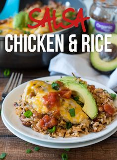 My family went nuts for this Salsa Chicken Rice Skillet! Fresh organic ingredients and a complete meal that was ready in less than 30 minutes! Chicken Rice Skillet, Skillet Meals, Skillet Recipes, Skillet Cooking, Mild Salsa, Cgi, Mexican Food Recipes, Dinner Recipes, Ethnic Recipes