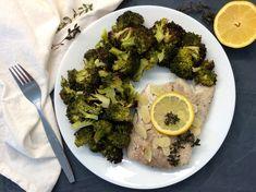 Treska s olivovým olejem, česnekem, citrónem a mateřídouškou pečená v papilotě, pečená brokolice