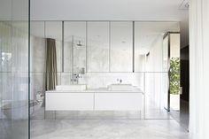 Im kreuzförmig einbeschriebenem 1. OG liegt die private Ebene | Bearth & Deplazes Architekten AG ©Ralph Feiner Fotografie, Malans