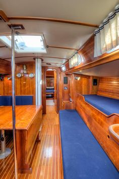 1994 HINCKLEY SOU'WESTER 42 SLOOP reminds me of our old boat