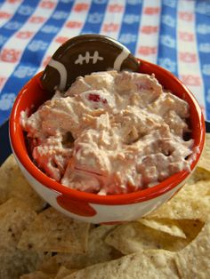 Touchdown Taco Dip - only 4 ingredients! Great for NYE parties or watching football on New Year's Day