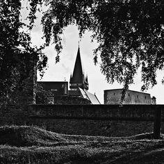 photo urban   free download photobank of black and white photos Black White Photos, Black And White, Free Black, Public Domain, Urban, Celestial, Outdoor, Outdoors, Black N White