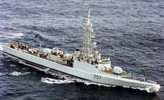 HMCS Restigouche 257 - lead ship of the Restigouche-class destroyers. Royal Canadian Navy, Navy Day, Navy Ships, Submarines, Battleship, Cold War, Aircraft, Military, History