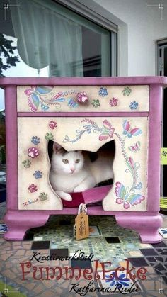 Ideas repurposed furniture for pets kitty Pet Furniture, Repurposed Furniture, Painted Furniture, Furniture Design, Business Furniture, Table Furniture, Furniture Ideas, Pet Beds, Dog Bed