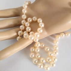 Vintage Faux Pearl Beaded Necklace Strand Champagne or Lt Pink NOS Hong Kong Pearl Beads, Pearl Necklace, Beaded Necklace, Beaded Bracelets, 1920s Flapper Costume, Costume Necklaces, King Kong, Vintage Earrings, Handmade Crafts