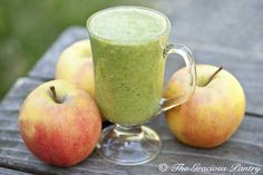 Cinnamon Apple Smoothie  (Makes 2 cups)    Ingredients  1 cup chopped, sweet apple (I love pink lady apples for this)  1 cup raw spinach  1 cup unsweetened almond milk  1/2 tsp. ground cinnamon