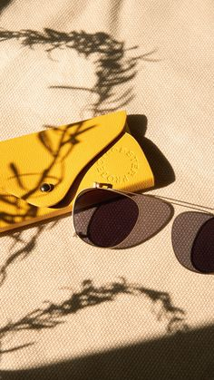 Jewelry Photography, Creative Photography, Fashion Photography, Creative Photoshoot Ideas, Glasses Brands, Cool Gadgets To Buy, Shadow Art, Specs, Eyeglasses
