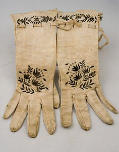 LADY'S EMBROIDERED GLOVES, 1815-1840 -Lot 330 $103.50