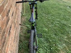 2016 scott gambler downhill mountain bike. The bikes is in great condition it has some scratches on the frame and has only been road in the bike park it has a fox 40 elite 203mm front fork and has a fox van performance 210 rear suspension . I'm will to meet who buys it half […] Bicycles For Sale, Bike Parking, Mountain Biking, Fork, Outdoor Power Equipment, Van, Meet, Frame, Picture Frame