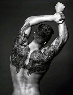 50 Upper Back Tattoos für Männer - Masculine Ink Design-Ideen - http://tattoosideen.com/2016/08/21/50-upper-back-tattoos-fur-manner-masculine-ink-design-ideen.html