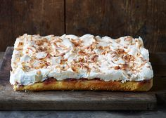 Rhubarb Cake With Kokosmarengs A La grandfather with a beard 1 Pudding Desserts, No Bake Desserts, Rhubarb Cake, Danish Food, Rhubarb Recipes, Piece Of Cakes, Delicious Chocolate, Sweet Cakes, Yummy Cakes
