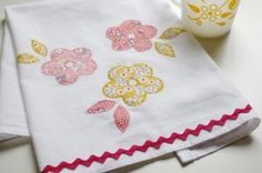 Adorable tea towel ideas!  I can see this in black, red and white in my kitchen!  Love Mollie Makes!