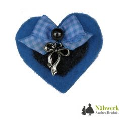 Herzerl-Brosche Shops, Shopping, Fashion, Brooches, Dirndl, Handarbeit, Projects, Blue, Moda