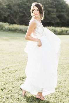 Floral inspired wedding dress | Photography: Ashley Largesse