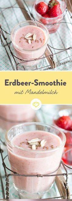 Bananig, cremig, fruchtig, süß… also richtig lecker eben schmeckt unser Bananen-Erdbeer-Smoothie mit Mandelmilch. Du willst es selbst probieren? Dann ran an den Mixer.