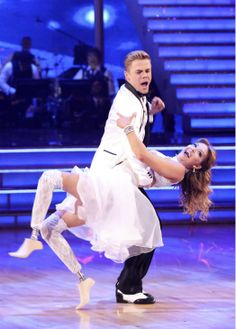 Amy Purdy and Derek Hough danced a wedding-themed Jive on #DWTS week 6 (4/21/14)