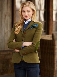 need for tweed love olive and blue - and love elbow patches - needs the print scarf I pinned earlier in olive Adrette Outfits, Winter Outfits, Fashion Outfits, Style Outfits, Women's Fashion, Preppy Style, Style Me, Looks Teen, Country Fashion