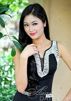 Welcome to our photo gallery! Take a look at beautiful woman, China woman Wancheng