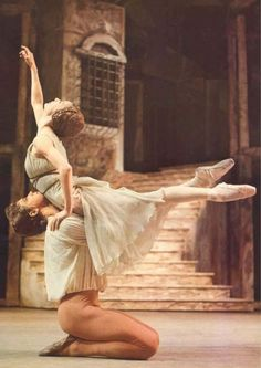 "<<Dame Antoinette Sibley and Sir Anthony Dowell in ""Romeo and Juliet"", The London Royal Ballet>>"