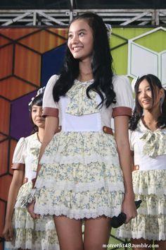 Cleo JKT48. Live TV performance, Global TV 100% Ampuh, Jakarta, 01/04/2012.