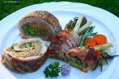 Hozzávalók: 30-30 dkg májusi pereszke (lehet csiperkegomba is) és sárga gévagomba, 2-3 dundi újhagyma, 3+5 dkg vaj, 3 evőkanál olívaolaj, só, őrölt fekete bors, kb. 2 kiskanál finomliszt, 2 tojás, 2 szép nagy szűzpecsenye, só, ... Fresh Rolls, Pork, Meat, Ethnic Recipes, Kale Stir Fry, Pork Chops