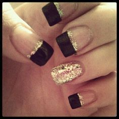Black Gold Nails Homecoming nails Baby blue tips with sparkly purple perfect for my dress. Homecoming Nails, Prom Nails, Wedding Nails, Fabulous Nails, Gorgeous Nails, Fancy Nails, Trendy Nails, Blue Nails, Glitter Nails