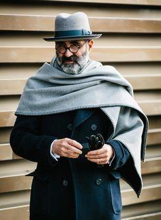 """sprezzaturaeleganza: """"Pitti Uomo 91 Photo by Jkf_man (Jamie Ferguson) """" Der Gentleman, Gentleman Style, Sharp Dressed Man, Well Dressed, Style Masculin, Mens Attire, How To Wear Scarves, British Style, Stylish Men"""