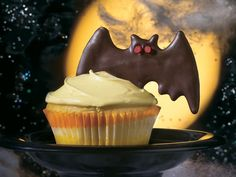 Bat Cupcakes (Betty Crocker)